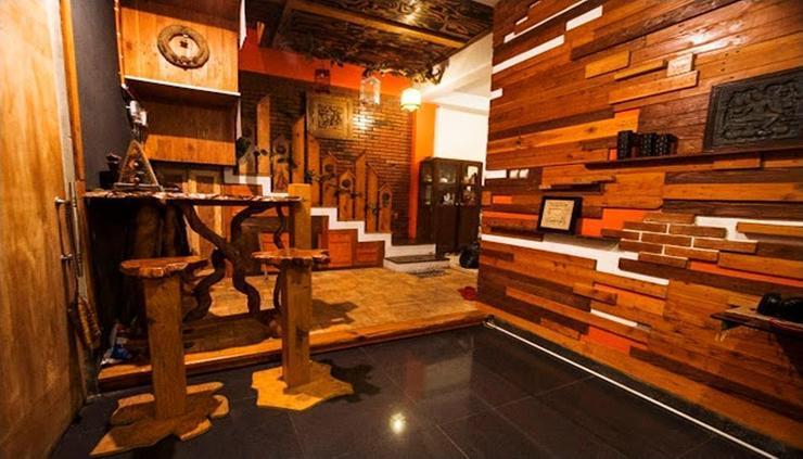 D Classic Homestay Yogyakarta - interior