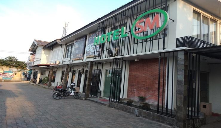 Hotel SM Cibitung Bekasi - Facade
