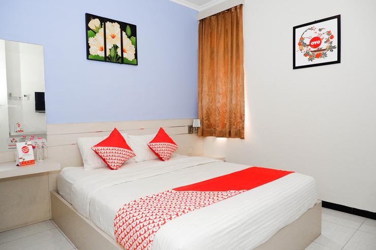 OYO 389 Sky Guesthouse Semarang - Bedroom