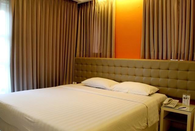 Ciputra Golf Club & Hotel Surabaya - Deluxe Double Room 1