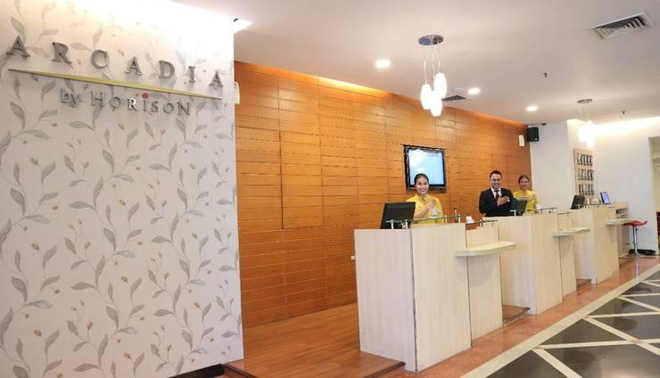 Arcadia Mangga Dua by Horison Jakarta - front office