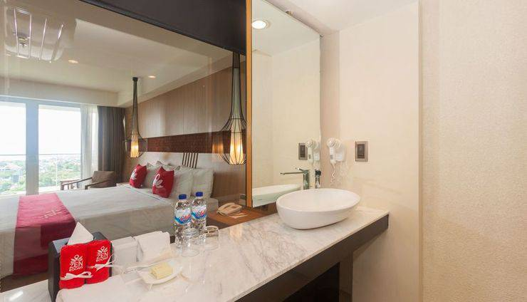 ZEN Premium Jimbaran Ungasan Bali - Kamar mandi