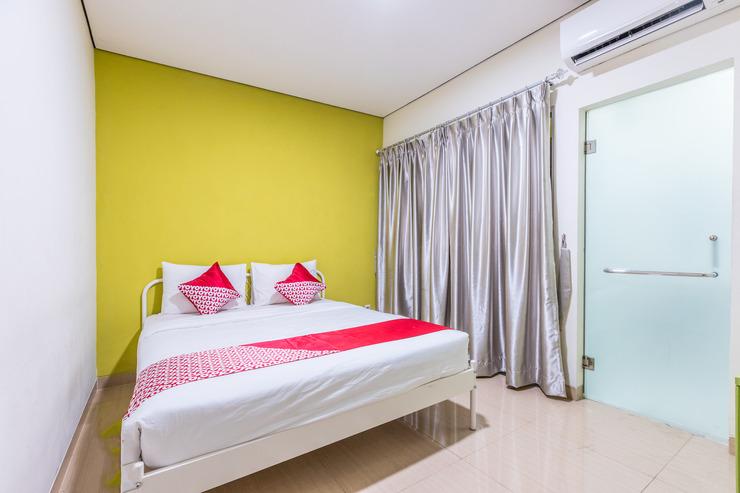 OYO 1393 Citron Syariah Jakarta - Bedroom