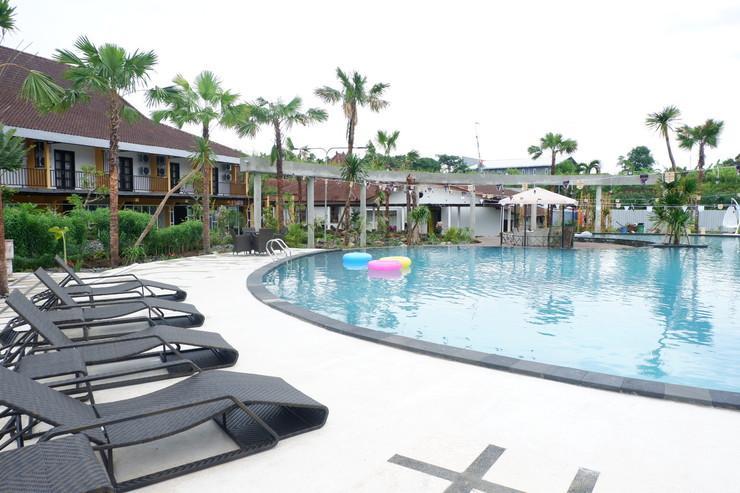 Ataya Hotel Solo - Kolam Renang