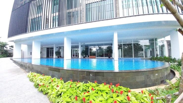 Spacious 2BR Satu8 Residence near Puri Mall By Travelio Jakarta - Kolam renang