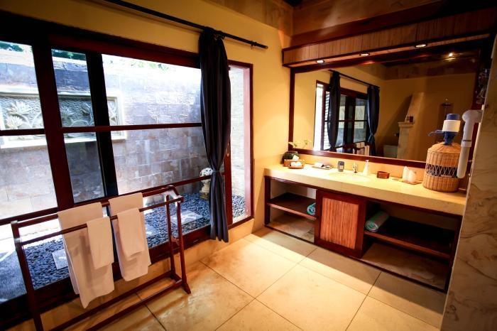 Villa Almarik Resort Lombok - Kamar mandi