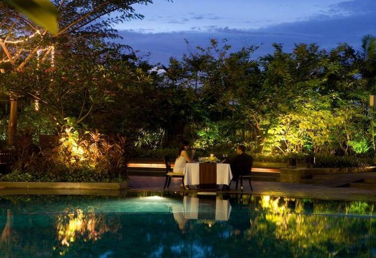 Hotel Santika Premiere Jakarta - Kolam Renang