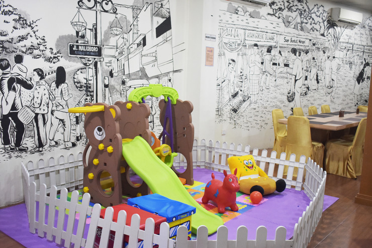 Abadi Hotel Jogja - Happy Bear Playground