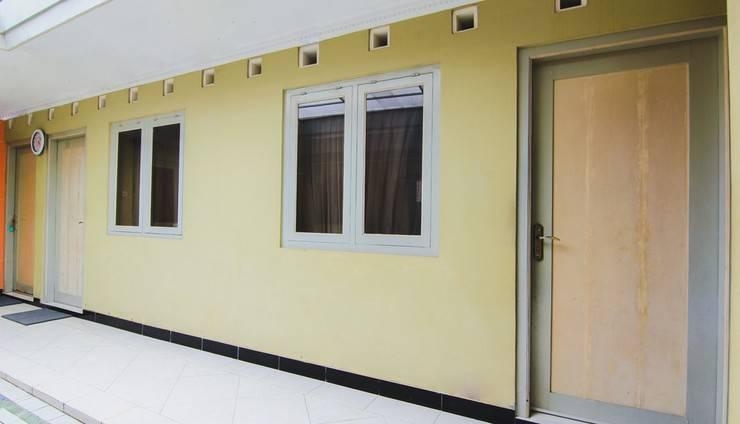Griya Batik Giri Sekar Homestay Syariah Yogyakarta - Hallway 1