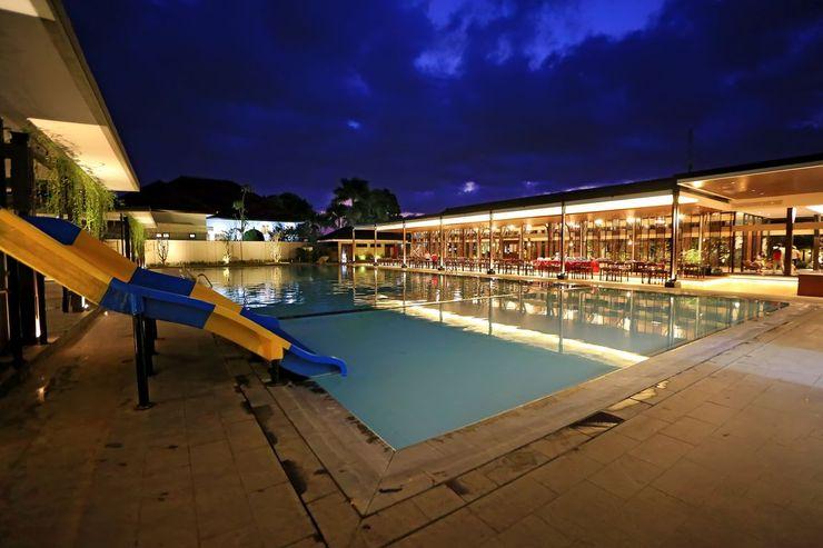 New Surya Hotel Banyuwangi - Pool