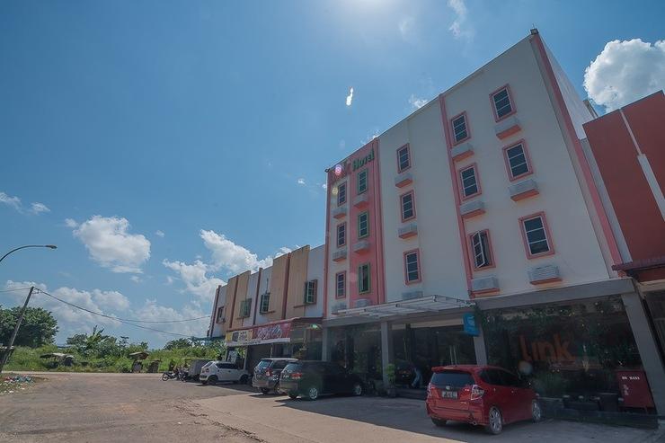 RedDoorz Plus @ Aviari Batu Aji Batam Batam - Bangunan Property