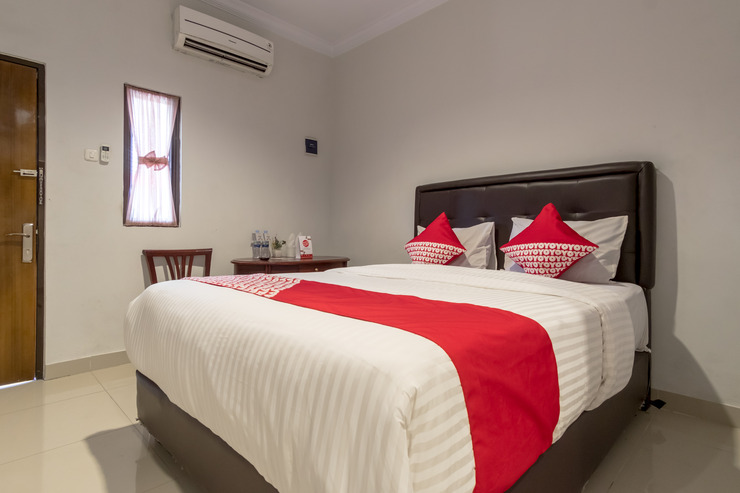 OYO 283 Helvetia Residence Medan - Bedroom S/D