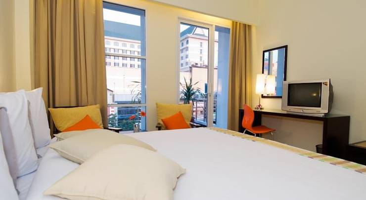 iShine Hotel Pekanbaru - Around1