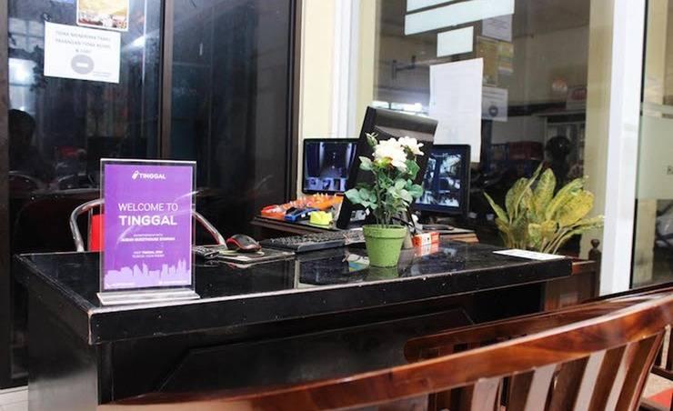 Tinggal Standard Syariah Setiabudi Jakarta - Resepsionis