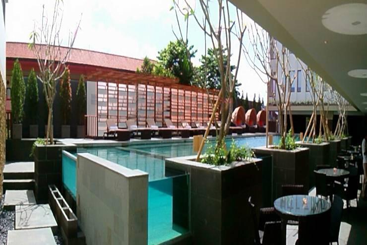 Grand Zuri Kuta Bali - Pool Side from Restaurant
