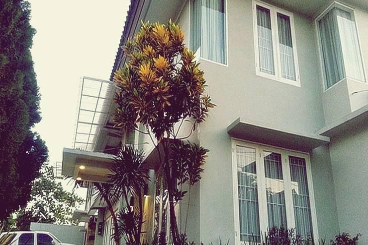 Asatu Mansion Makassar - Tampilan Luar Hotel