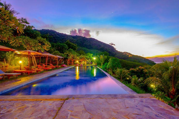 OYO 2823 Artati Bungalows And Restaurant Lombok - Swimming Pool