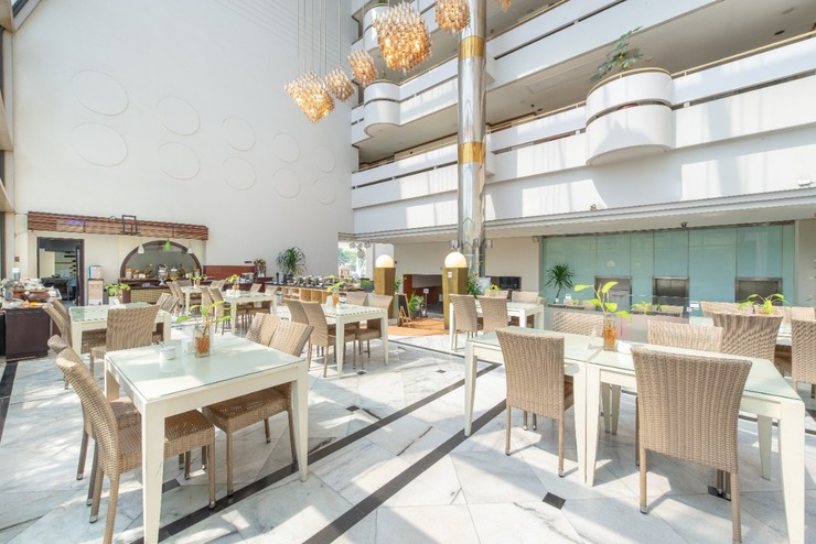 Kartika Graha Hotel Malang - Restaurant