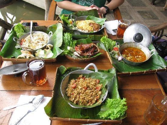 Sapu lidi Resort Hotel Bandung - Sarapan di Alacarte