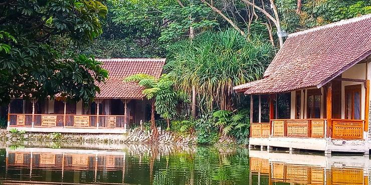 Sapu lidi Resort Hotel Bandung - SUite pemandangan danau