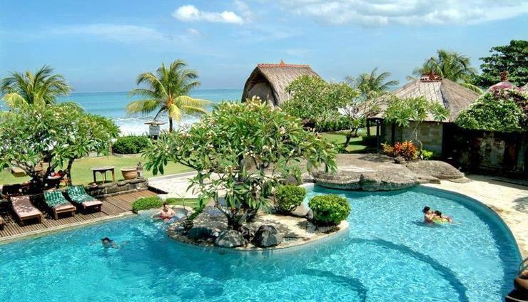 Grand Balisani Suites Bali - Swimming Pool