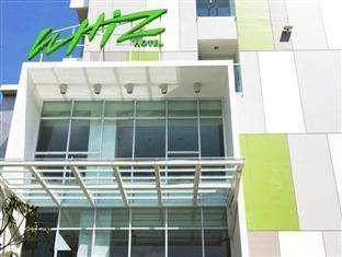 Whiz Hotel Pemuda Semarang -
