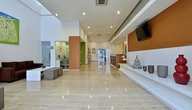 Whiz Hotel Pemuda Semarang - Lobby