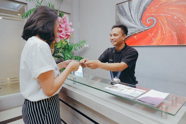 The Radiant Center Tangerang Selatan - Lobby