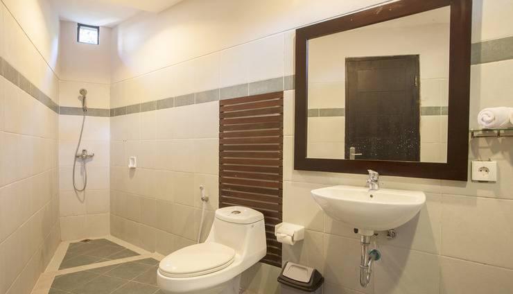 Villa Tukad Alit Bali - Bath and toilet