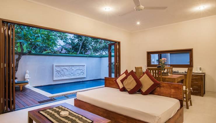 Villa Tukad Alit Bali - one bedroom living area pool view