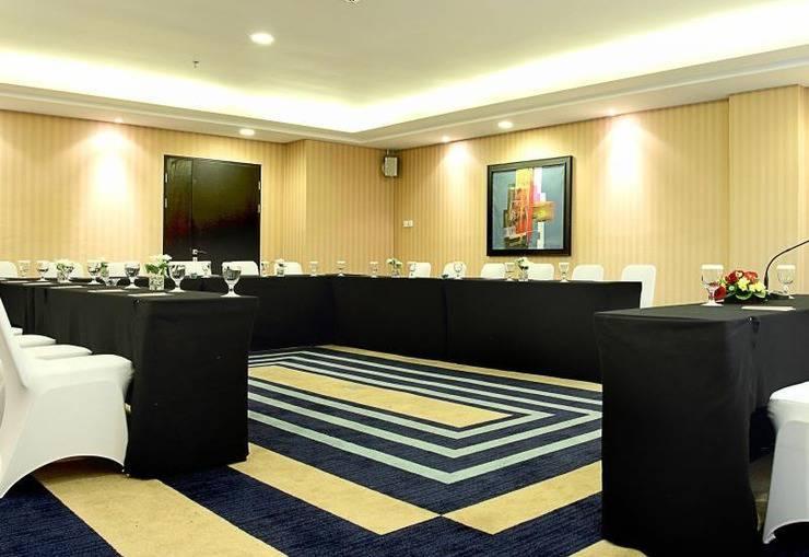Grand Pacific Hotel Bandung - Meeting Room