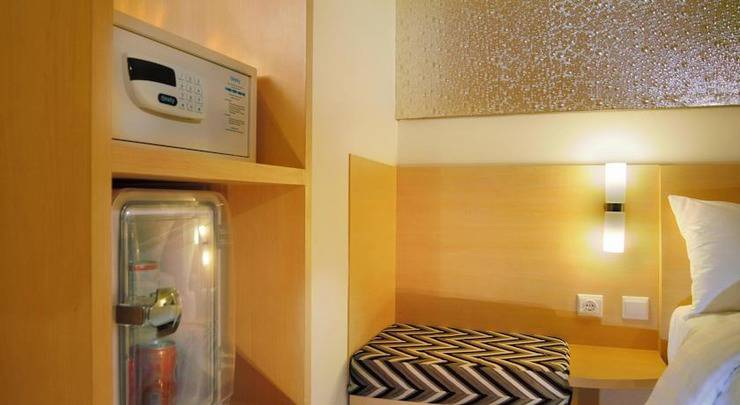Neo Hotel Melawai - 7