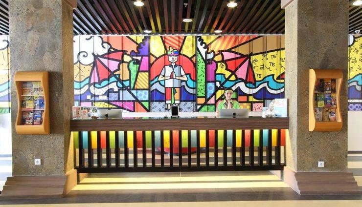 Max One Hotel Legian - Lobby