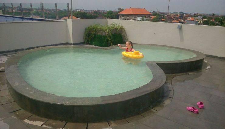 Max One Hotel Legian - Kolam renang anak