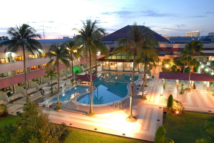 Hotel Kapuas Palace Pontianak Pontianak - Featured Image