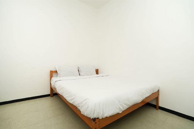Merapi Inn Syariah Surabaya - Bedroom S/D