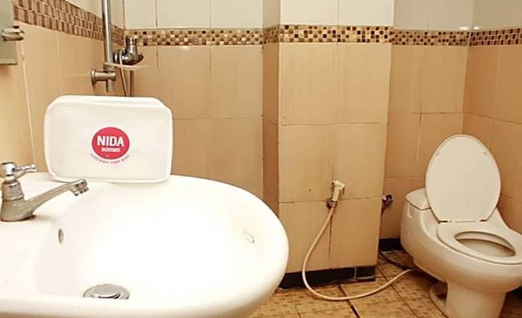 NIDA Rooms Sektor 3 Bintaro Tangerang Selatan - Kamar mandi