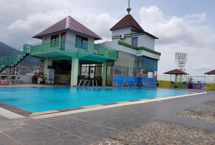 Corner Palace Hotel Ternate - Pool