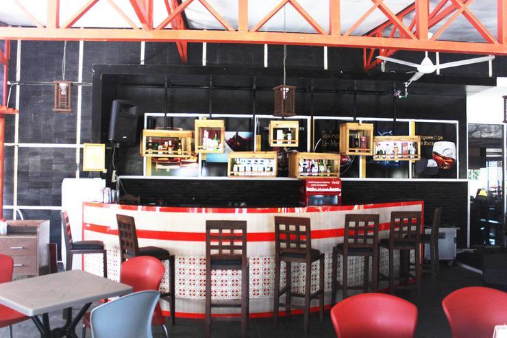Sutan Raja Hotel Convention & Recreation Kolaka - Smoking area
