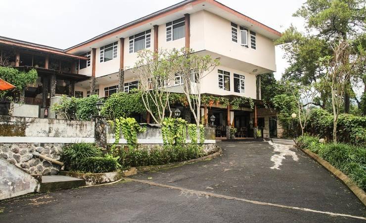 Talita Hotel Puncak - Parkir