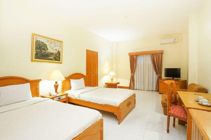 Tretes Raya Hotel Pasuruan - Bedroom