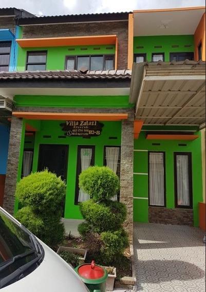 Villa Zalazi Syariah - 4 Bedrooms Malang - Exterior
