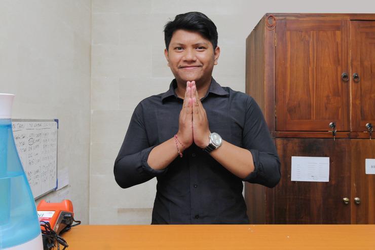 Airy Denpasar Utara Trijata 51 Bali Bali - Receptionist