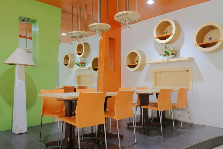 Airy Wonorejo Tuanku Tambusai Komplek Paninsula C3 Pekanbaru - Restaurant