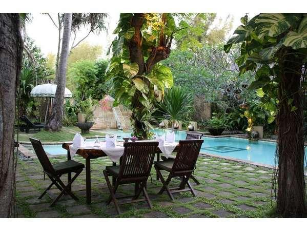 kaMAYA Resort Bali - Pool side restaurant