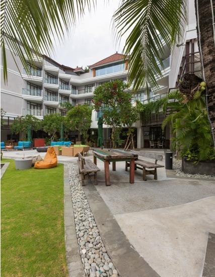 Wyndham Garden Kuta Beach Bali Bali - Plaza di depan Pantai Kuta