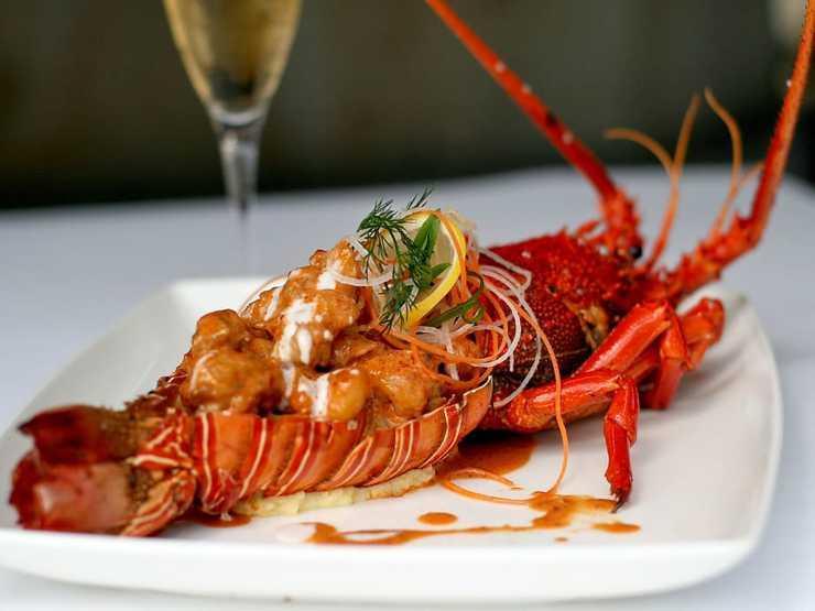 AYANA Komodo Resort, Waecicu Beach - Meals