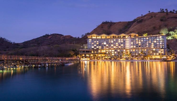 AYANA Komodo Resort, Waecicu Beach - Resort Exterior_Night