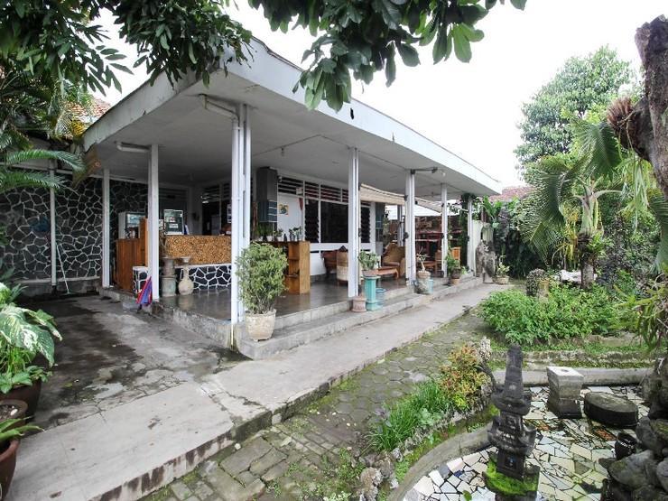 RedDoorz near Rumah Sakit Wirosaban Yogyakarta - Exterior