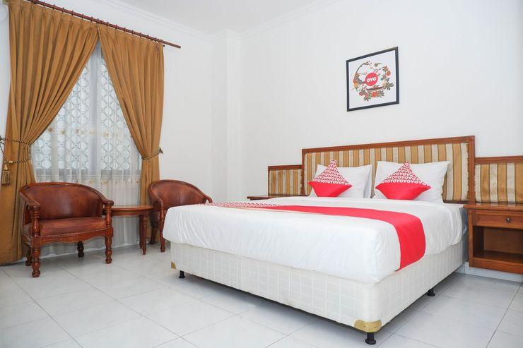 OYO 1136 Hotel Surya Solo Solo - Bedroom